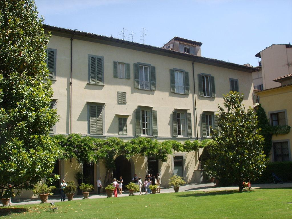 1024px-Palazzo_dei_frescobaldi,_back_view