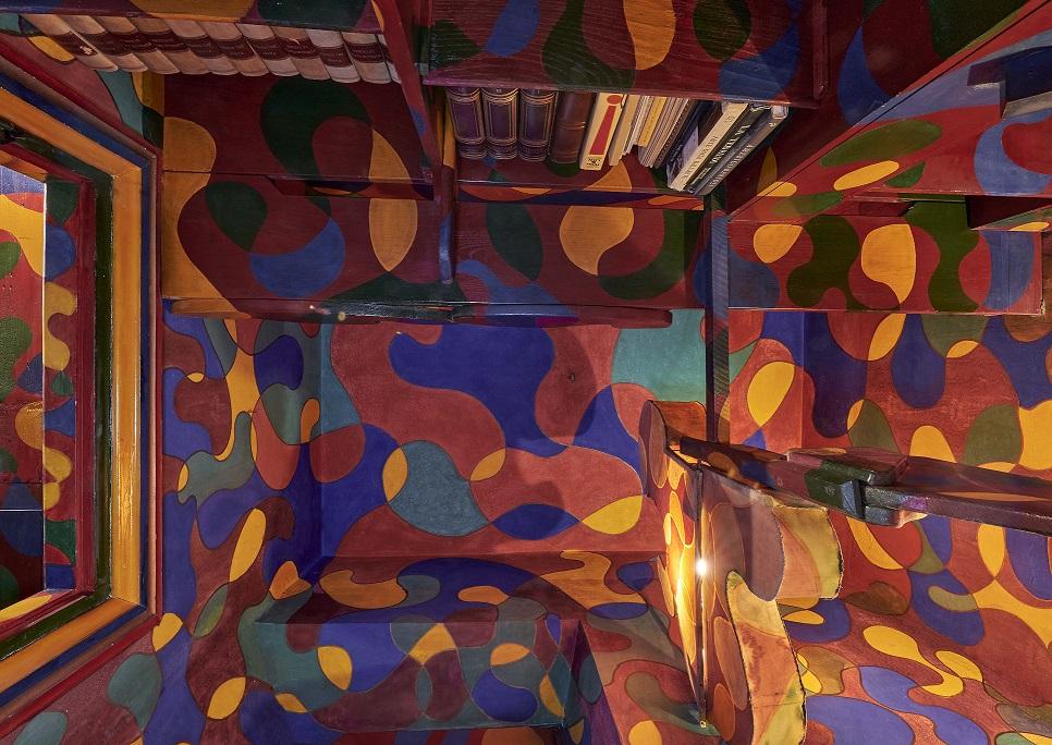 13_MAXXI_CASABALLA_Studiolo-rosso-dettaglio_Foto-M3Studio