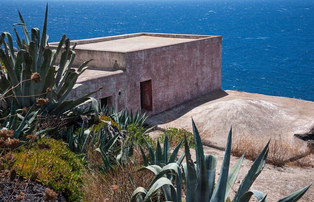 2CTHJYW Dammuso and mediterranean house in Pantelleria island,Beach house in Sicily.